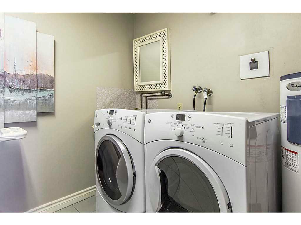 2004-67 Caroline Street S  - Laundry room.