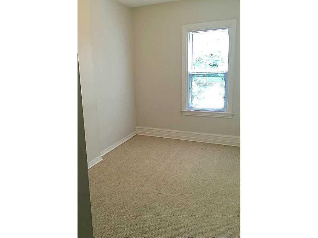 2 Duff Street - Bedroom.